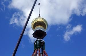 Установка куполов и крестов на храм Иоанна Милостивого