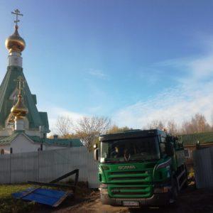 На территории Храма свт. Иоанна Милостивого начались земляные (водоотводные) работы