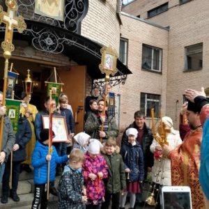 Пасхальное богослужение в храме Покрова Божией Матери при 15 городской больнице