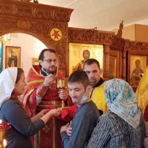 Ранняя литургия в храме святого праведного Иоанна Кронштадского при Психоневрологическом интернате N 7